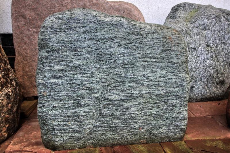 Granit Felsen Steinmetz Czaikowski Grabmale Gedenksteine